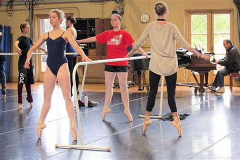 Dance all day? Arts boot camp energizes Stanford students