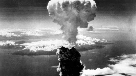 Haunting Unedited Footage of the Bombing of Nagasaki (1945