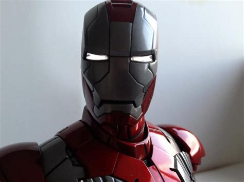Real-life 'Iron Man' suit commissioned by U