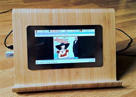 Raspberry Pi media player and work station with an